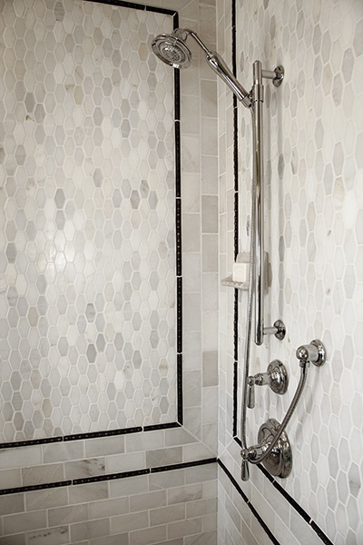 How to Use Accent Tiles & Tile Borders to Enhance Your Luxury Bathroom