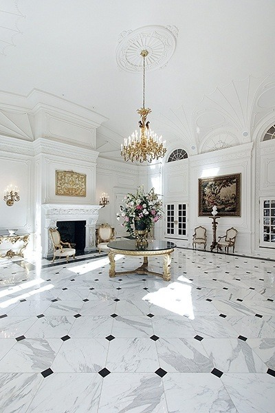 Octagon with Large White Stone and Small Black pattern