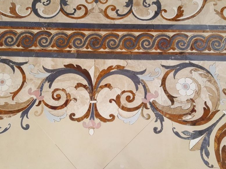 How To Use Different Tile Shapes To Make Any Surface Look Amazing - Curved tile border